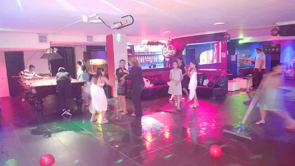 ריקודים ומוזיקה ללא הגבלת רעש למסיבה בדרום - גולדן לופט קריית גת.
